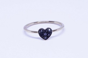 Rose gold heart ring with black diamonds