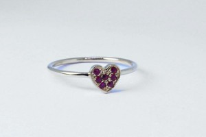 Rose gold heart ring with rubies