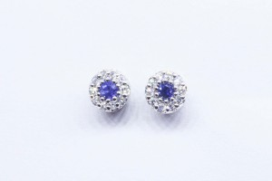 White gold earrings with zapphires and diamonds