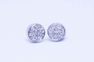 White gold earrings with diamonds pavé