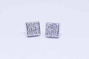 Orecchini quadrati in oro bianco con pavé di diamanti