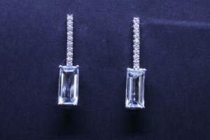 White gold earrings with diamonds and aquamarine