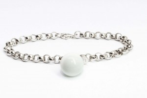Bubble collection Silver rolò bracelet with white agate pendant