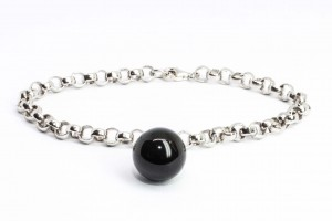 Bubble Collection Silver rolò bracelet with onyx pendant