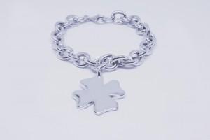 Bracciale catena in argento  con pendente quadrifoglio