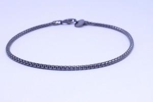 Bracciale in argento con catena agganciata color rutenio