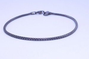 Silver bracelet with chain hooked ruthenium color