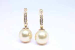 Yellow gold  earrings with Tahitian gold pearls and diamonds