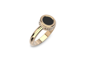 Rose gold ring with onyx